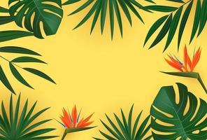 natürliche realistische grüne Palmblätter mit Strelitzia-Blume auf gelbem Hintergrund. Vektorillustration