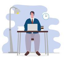 man i en videokonferens via bärbar dator