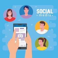 sociala medier, gruppmänniskor kommunicerar via smartphone