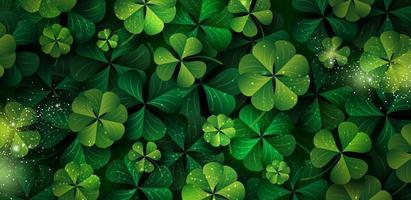 St. Patricks Day Banner Design von Kleeblättern mit Kopie Raum Vektor-Illustration vektor