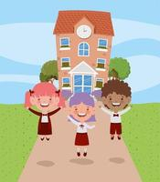Schulgebäude mit interracial Kindern