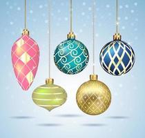Weihnachtskugeln Ornamente hängen an Goldfaden. Vektorabbildungen. vektor