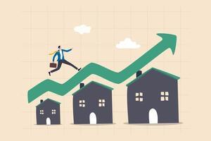 bostadspriset stiger upp, fastighets- eller fastighetstillväxtkoncept, affärsman som kör på stigande grön graf på hustaket. vektor