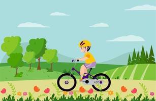 ein Junge in einem Helm, der im Park auf dem Hintergrund eines Feldes, der Bäume, der Berge reitet vektor