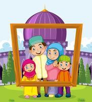 lycklig familj som rymmer fotoramen med moskén i bakgrunden