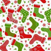 nahtloses Vektormuster mit verschiedenen Weihnachtssocken. handgezeichnetes Muster für Winterferien. nahtloses Muster für Karten, Geschenkpapiere, Poster und Stoff. vektor