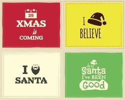 Weihnachtliches einzigartiges lustiges Zeichen, Zitathintergrunddesign eingestellt für Kinder - Weihnachten kommt. Schöne helle Palette. Kann als Flyer, Banner, Poster, Hintergrund, Karte verwendet werden. Vektor.