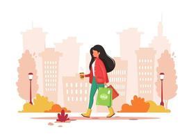 Frau, die in der Stadt mit Kaffee einkauft. Urbaner Lebensstil. Vektorillustration. vektor