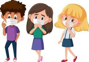 Satz von verschiedenen Kindern, die Maske Zeichentrickfigur tragen vektor