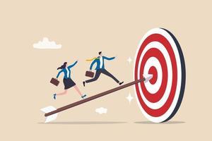 Arbeitsteam des Geschäftsmanns und der Geschäftsfrau, die Bogenschützenpfeil hochlaufen, der Bullseye-Ziel trifft vektor