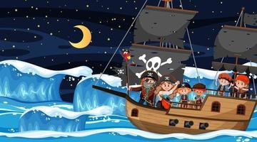 Ozeanszene in der Nacht mit Piratenkindern auf dem Schiff vektor