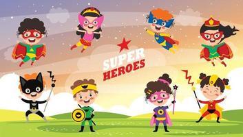 kleine lustige Cartoon-Superhelden posieren vektor