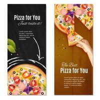 Relialistische Pizza vertikale Banner Vektor-Illustration vektor
