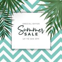 Sommerverkaufsplakat. natürlicher hintergrund mit tropischen palmblättern. vektor