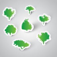 7 Bäume aus Aufklebern