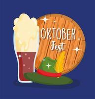 oktoberfest festival, hut und kalte bierbeschriftung in holzfahne, feier deutschland traditionell vektor