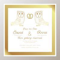 Romantisk bröllopsinbjudan med guldringar, ugglor.