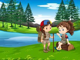 Girl scout vandring i naturen vektor