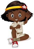 Afroamerikanermädchen in der Safariausstattung
