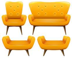 Olika design av stolar i gul färg