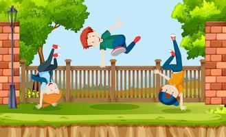 Barn dansar på parken
