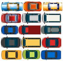 Uppifrån av bilar och lastbilar