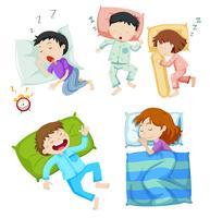 Pojkar och tjejer som sover i sängen