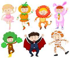 Viele Kinder in verschiedenen Kostümen vektor