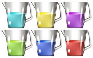 Glasbecher mit farbiger Flüssigkeit vektor