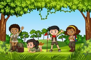 Camping barn i naturen vektor