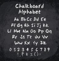 Vektorillustration des mit Kreide versehenen Alphabetes. Nachgemachte Beschaffenheit der Kreide