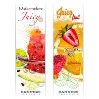 Banner med frukt i vattenstänk och droppar vatten saftigt frukt vattenmelon, jordgubbe, apelsin, lime, akvarell, författarens arbete.