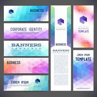 Acht abstrakte Designfahnen-Vektorschablonen