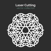 Laserschneideschablone. Runde Karte. Die geschnittene Mangala vektor