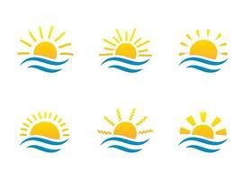 Sonnenaufgang und Meer Cartoon-Logo-Vorlagen-Sammlung. Wasserwellen und Sonnenstrahl-Symbole gesetzt. vektor