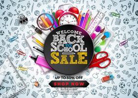Back to School Sale Design med färgstark penna, väckarklocka och andra skolartiklar på Hand Drawn Doodles bakgrund. Vektor skolillustration med typografi för kupong