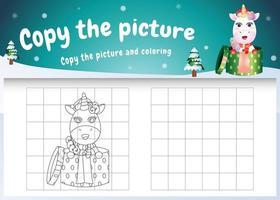 kopiere das bild kinderspiel und die ausmalseite mit einem süßen einhorn mit weihnachtskostüm vektor