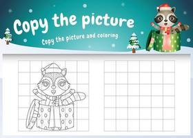kopiere das bild kinderspiel und die ausmalseite mit einem süßen waschbären im weihnachtskostüm vektor