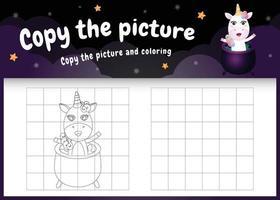 kopiere das bild kinderspiel und die ausmalseite mit einem süßen einhorn mit halloween-kostüm vektor
