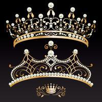 uppsättning av två gyllene med pärlor tiaras och krona vektor