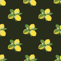 Nahtloses Muster von Niederlassungen mit Zitronen, Grünblättern und Blumen auf Schwarzem. Zitrusfrüchte Hintergrund. Vektor-Illustration
