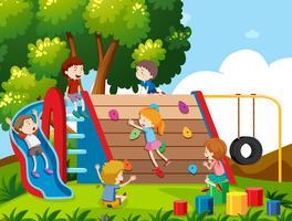Barn som leker på lekplatsen vektor