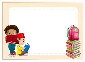 Två pojkar läser böcker