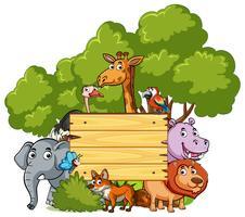 Träskylt med många vilda djur