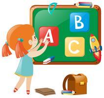 Kleines Mädchen, das englische Alphabete an Bord bereitstellt vektor