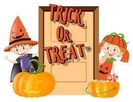 Kinder und Süßes oder Saures an Halloween-Nacht