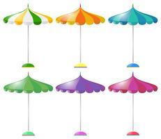 Strandparaply i sex olika färger