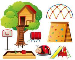 Baumhaus und andere Spielstationen vektor