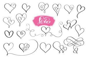 Set med handritade sketchy kalligrafi hjärtan vektor