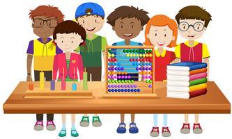 Kinder lernen in der Schule vektor